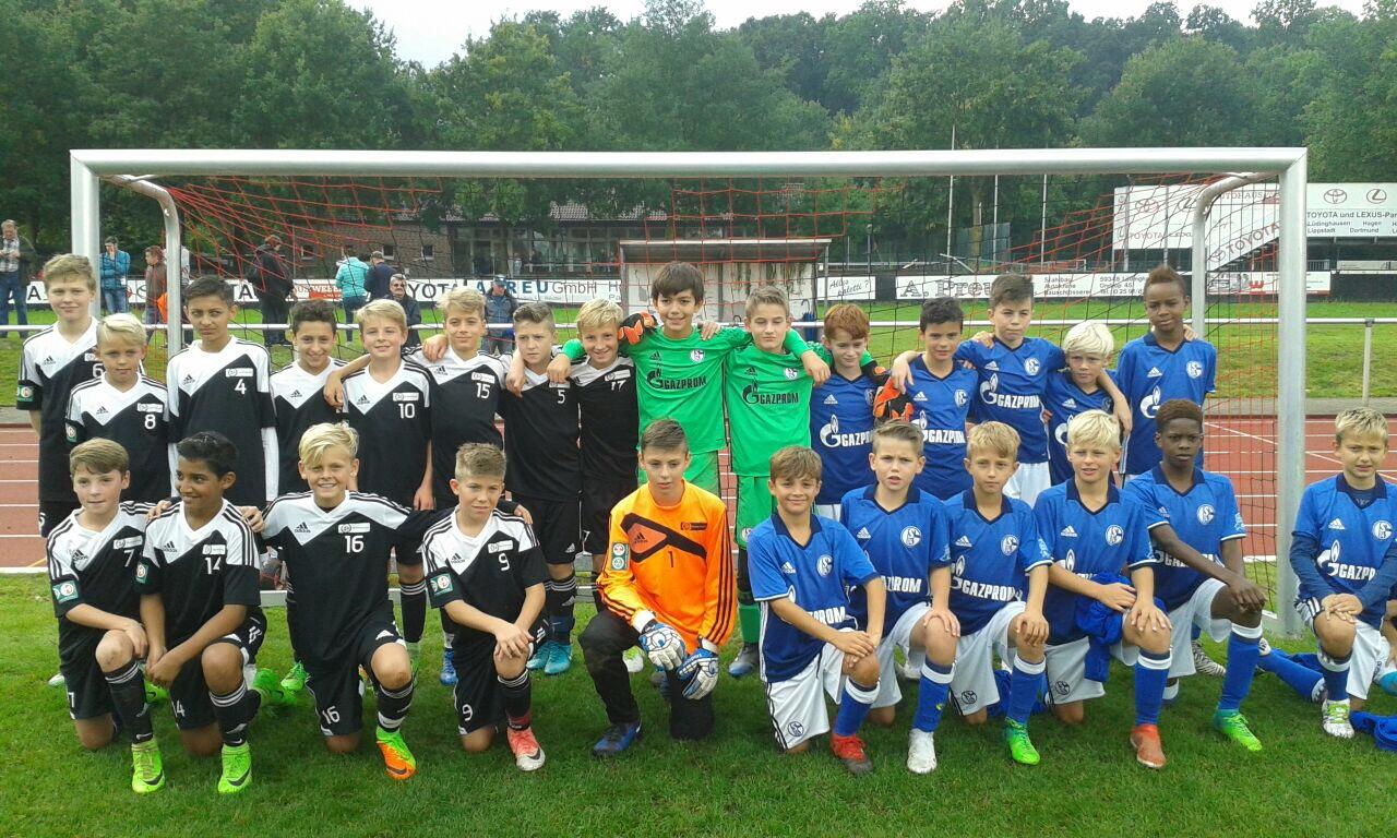 Der FC Schalke 04 gewinnt das - U12 - Turnier der DFB-Stützpunkte in Lüdinghausen. Zweiter wird der Stp Siegen.